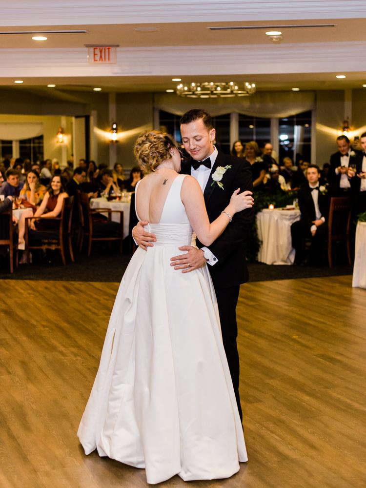 cleveland-yacht-club-wedding-photos-by-matt-erickson-photography-16.jpg