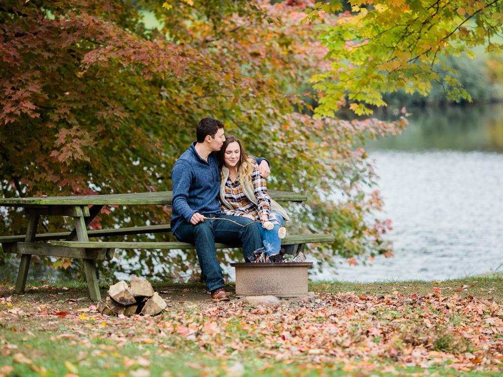 romantic-fall-engagement-photo-ideas-by-matt-erickson-photography-13.jpg