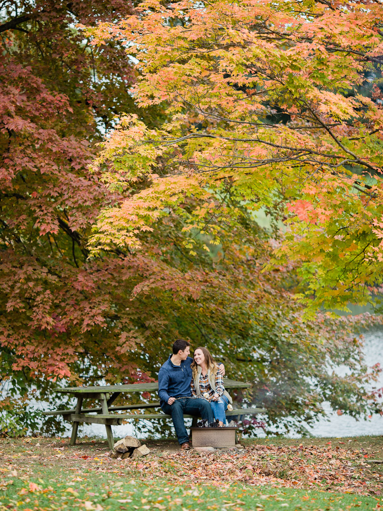romantic-fall-engagement-photo-ideas-by-matt-erickson-photography-14.jpg