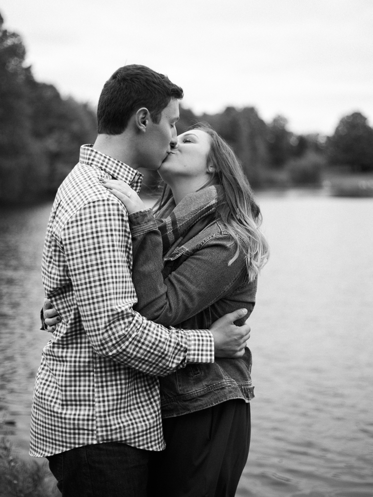 romantic-fall-engagement-photo-ideas-by-matt-erickson-photography-26.jpg