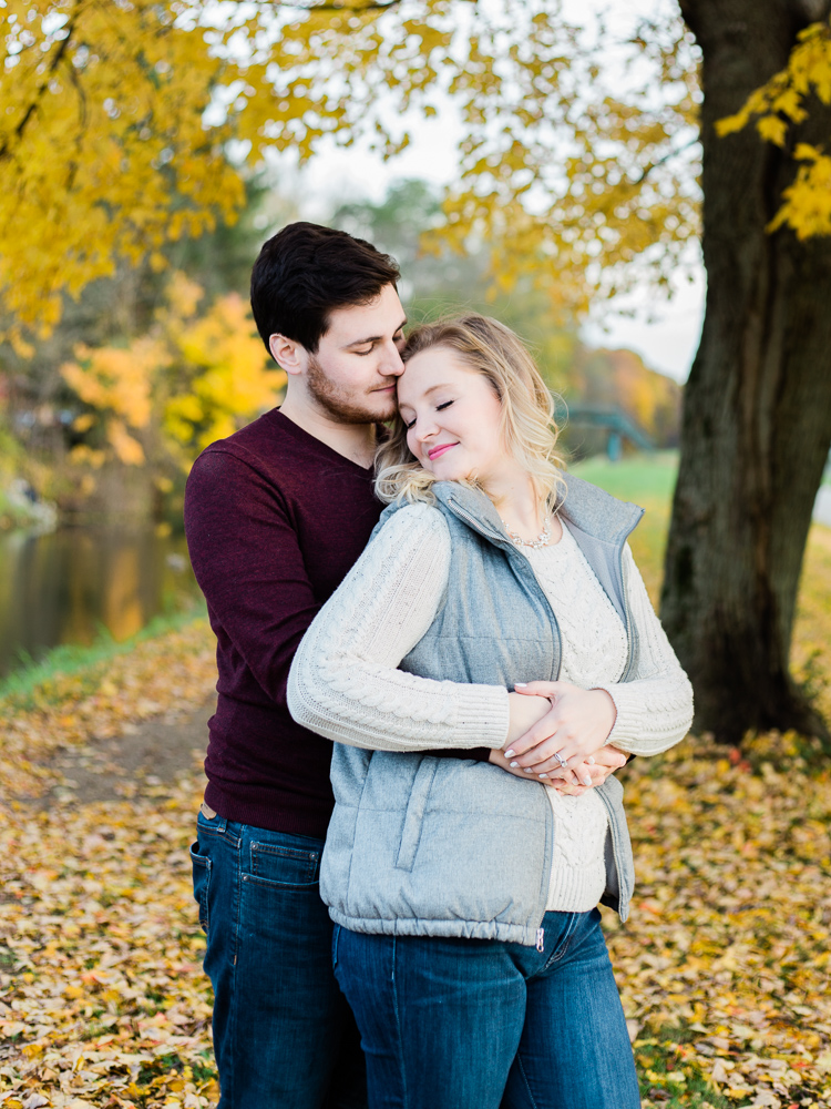 romantic-fall-engagement-photos-by-matt-erickson-photography-10.jpg