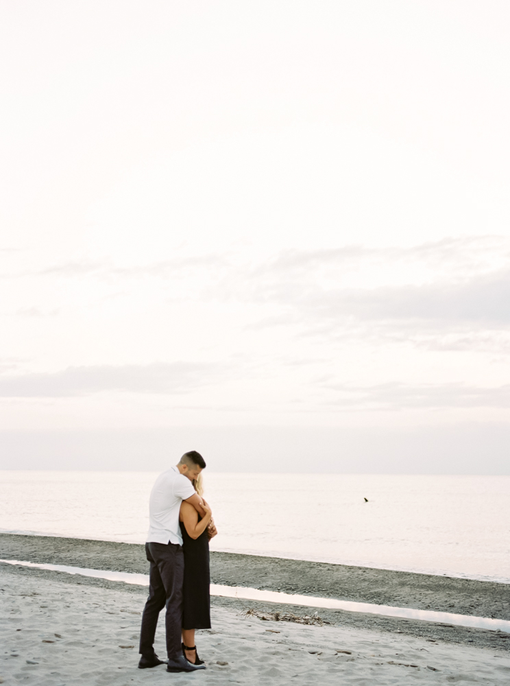 romantic-lake-erie-engagement-photos-by-matt-erickson-photography-35.jpg
