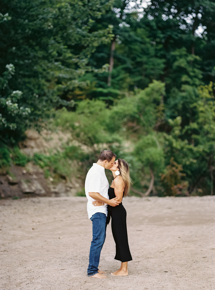 lake-erie-engagement-photos-by-matt-erickson-photography-32.jpg