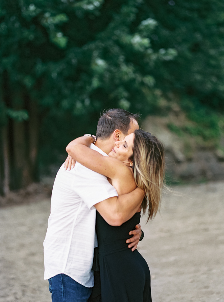 lake-erie-engagement-photos-by-matt-erickson-photography-35.jpg
