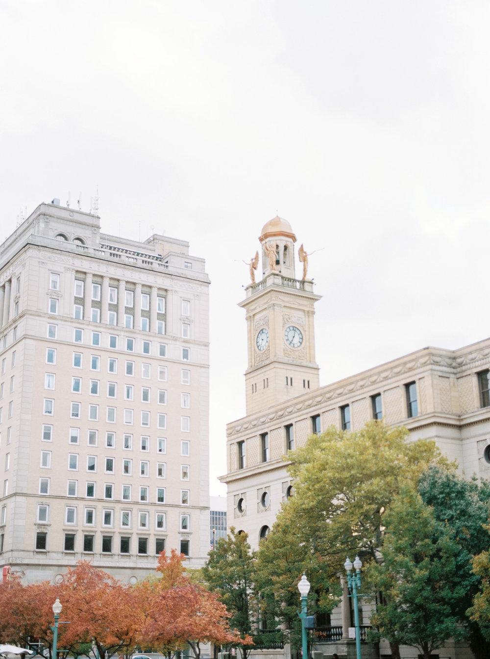 fall-downtown-canton-engagement-photo-ideas-matt-erickson-photography-21.jpg