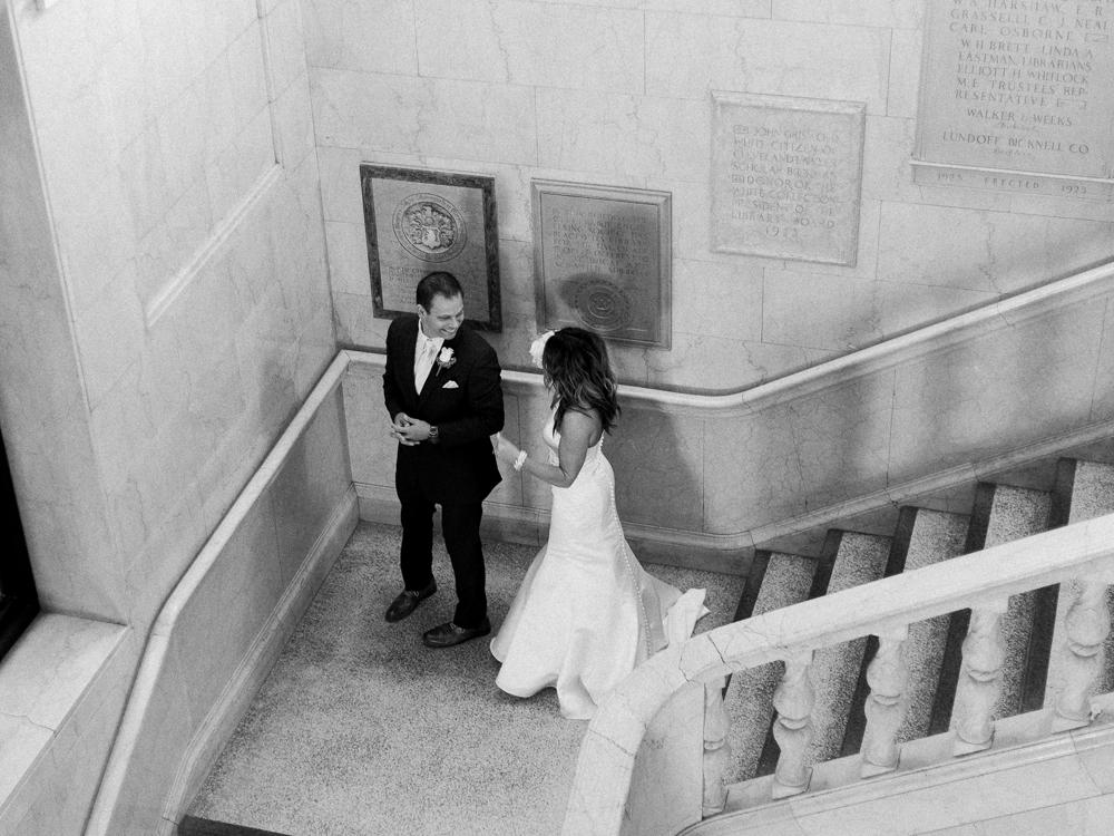 ritz-carlton-luxury-cleveland-wedding-photos-by-matt-erickson-photography-6.jpg