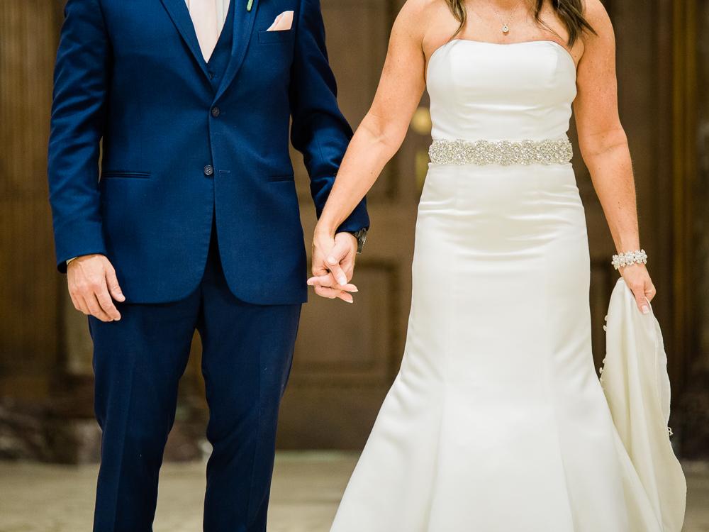 ritz-carlton-luxury-cleveland-wedding-photos-by-matt-erickson-photography-13.jpg