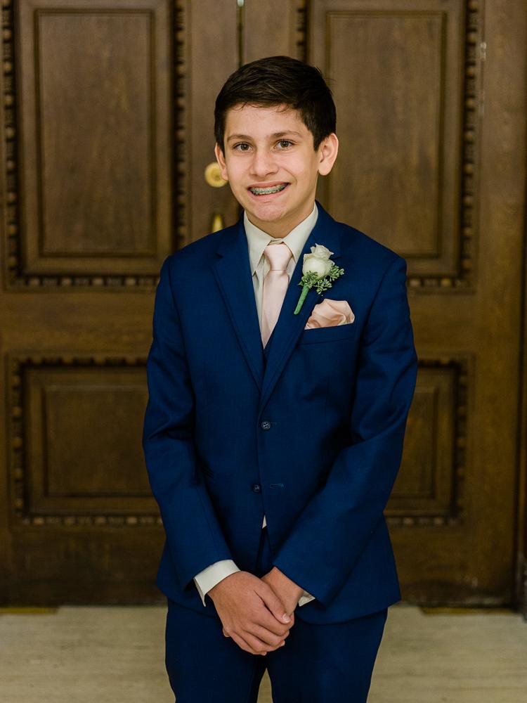 ritz-carlton-luxury-cleveland-wedding-photos-by-matt-erickson-photography-24.jpg