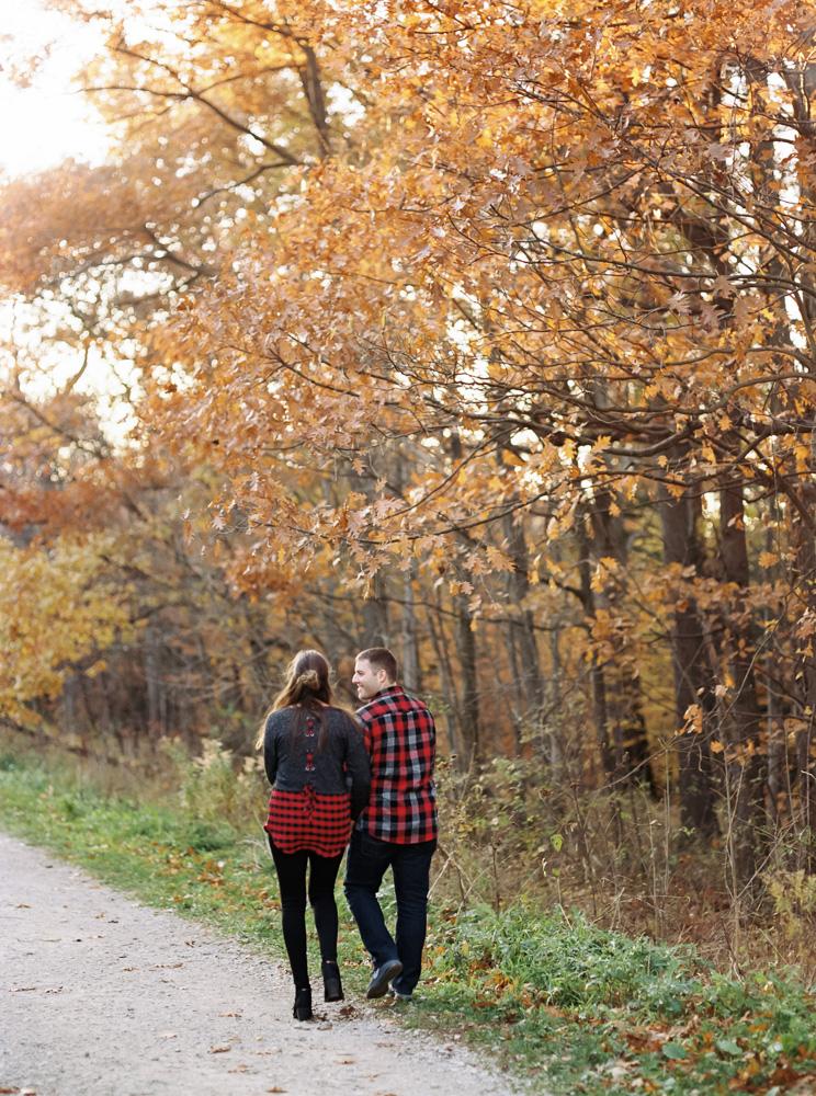 fall-engagement-photos-at-brandywine-falls-matt-erickson-photography-1.jpg