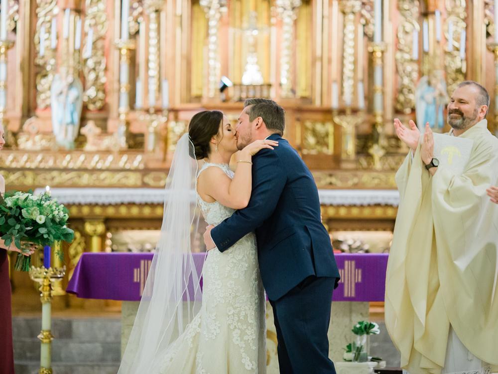 romantic-cleveland-christmas-wedding-photos-by-matt-erickson-photography-17.jpg