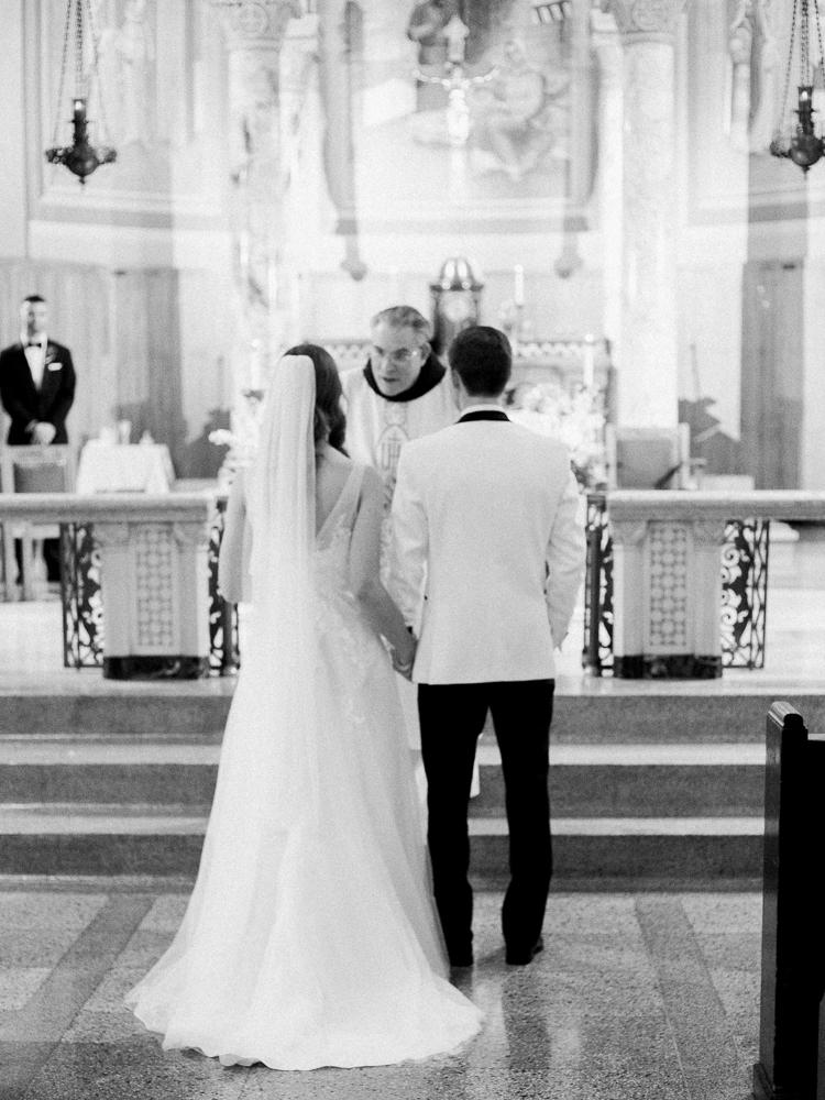 classic-romantic-cleveland-wedding-by-matt-erickson-photography-130.jpg