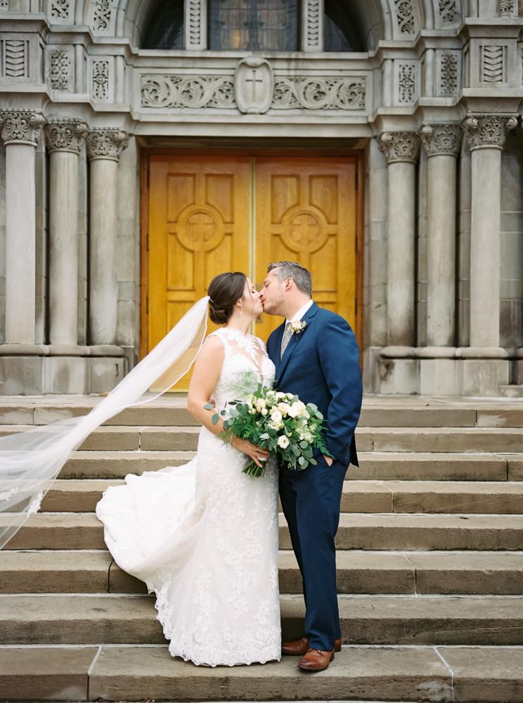 romantic-cleveland-christmas-wedding-photos-by-matt-erickson-photography-295.jpg