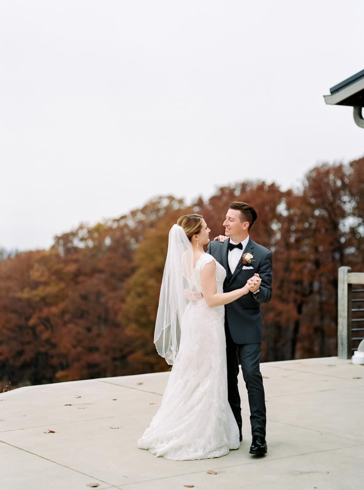resized-mapleside-farms-cleveland-wedding-photography-matt-erickson-photography-289.jpg
