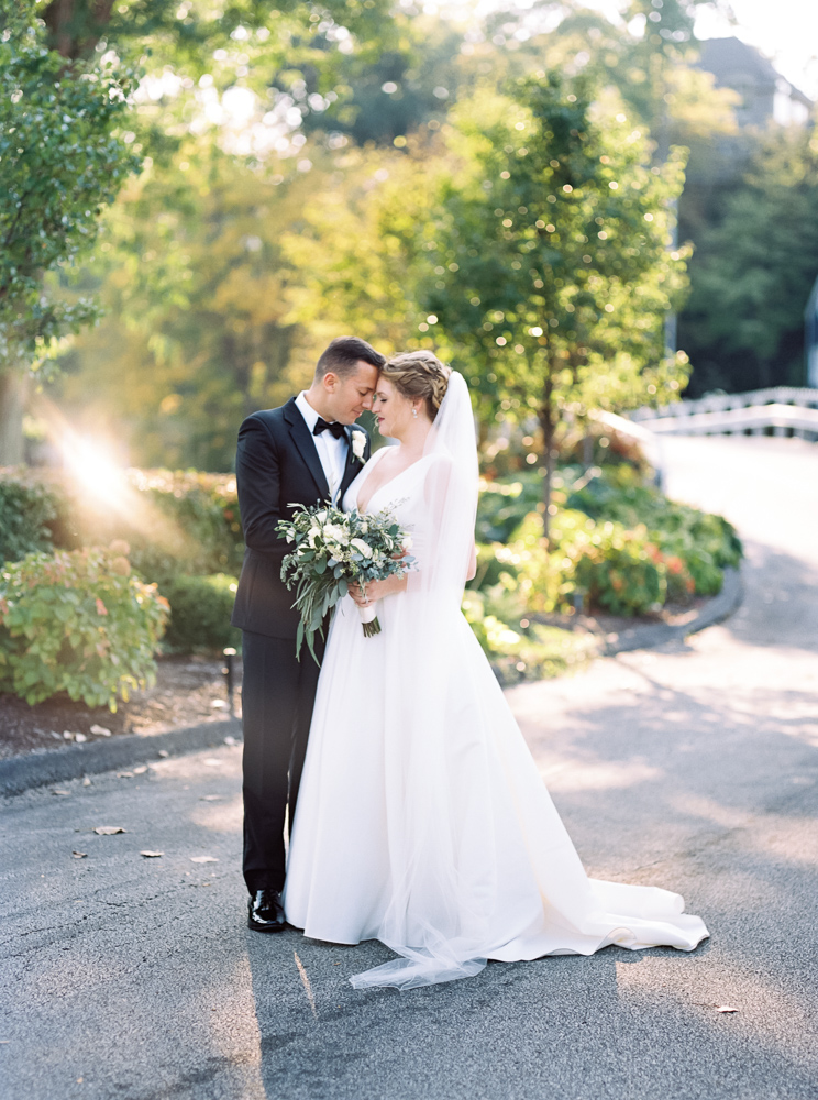 cleveland-yacht-club-wedding-photos-by-matt-erickson-photography-391.jpg