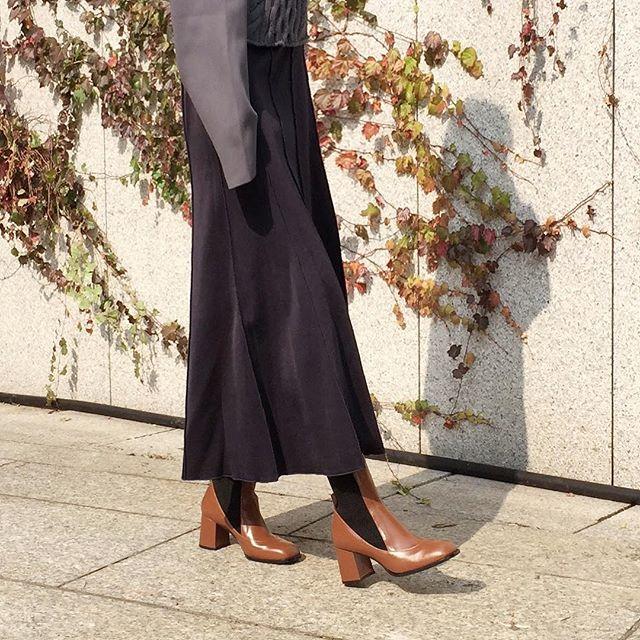 🍂 - @wconceptkorea @29centimeter  @designertable  _ Also link on bio✨  _ #wite #designershoes  #designerlife  #photoshoot #lookbook #picoftheday #beautiful #shoes #girl #korean #designer #fashion  #tbt #슈즈 #와이트 #부츠 #boots