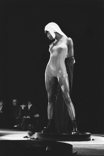 Gaultier, Naomi Campbell, 1989