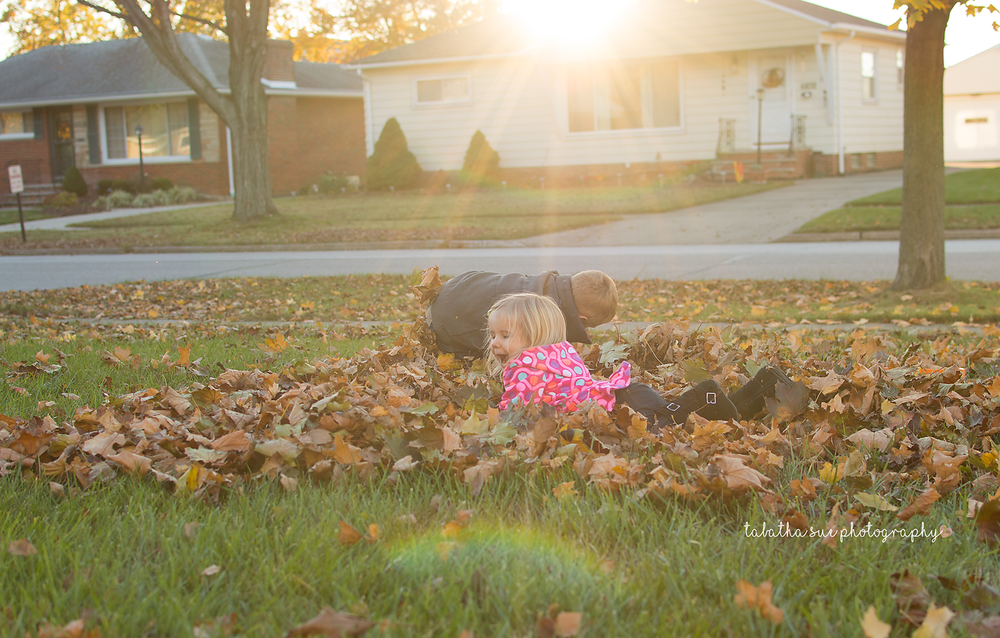 tabatha-sue-photography-fun-in-the-fall-2016--new-chapter-in-our-lives-fall-family-sessions