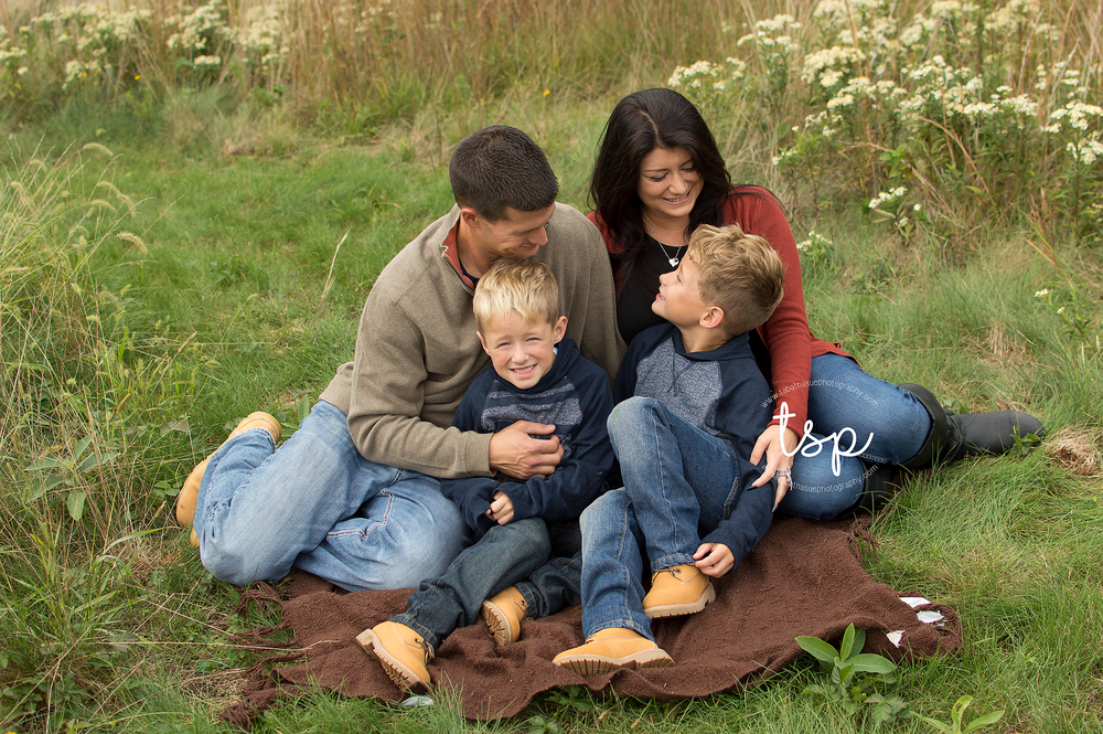 family-session-in-the-park-in-parma-ohio-west-creek-reservation-family-photographer.png