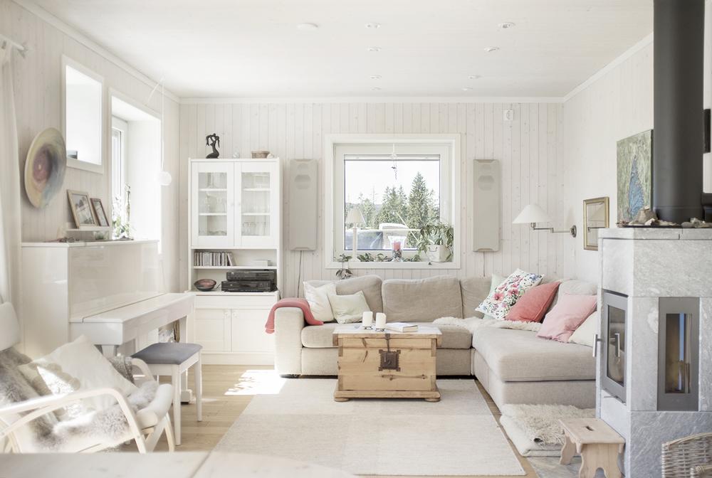 Shelter 1, Stue med kleberstensovn, Hurdal Økolandsby