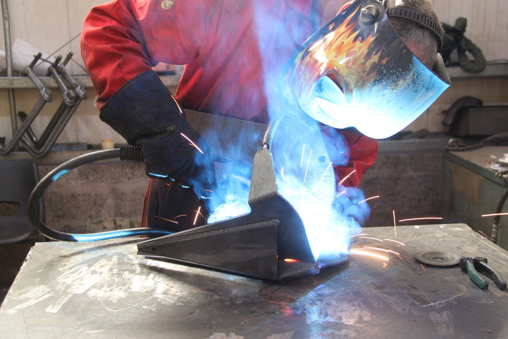 Expert, qualified welders are employed in fully welding the anchor