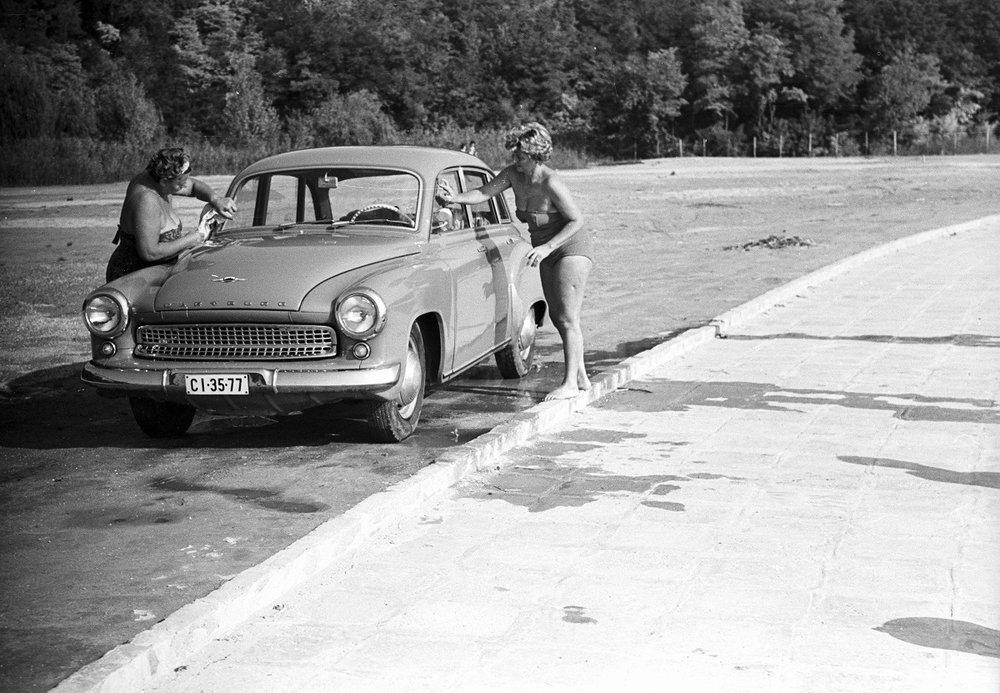Fotó: Strand. Balatonakarattya, Magyarország, 1964. © Fortepan / Lencse Zoltán