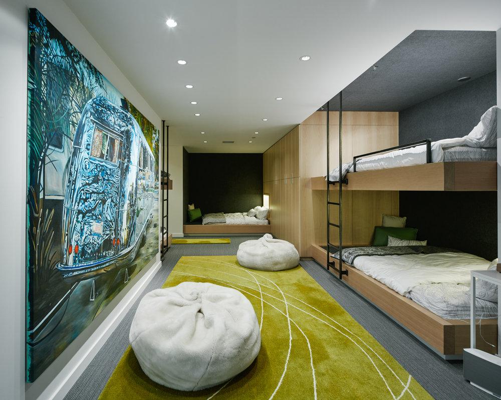 Interior_82.jpg
