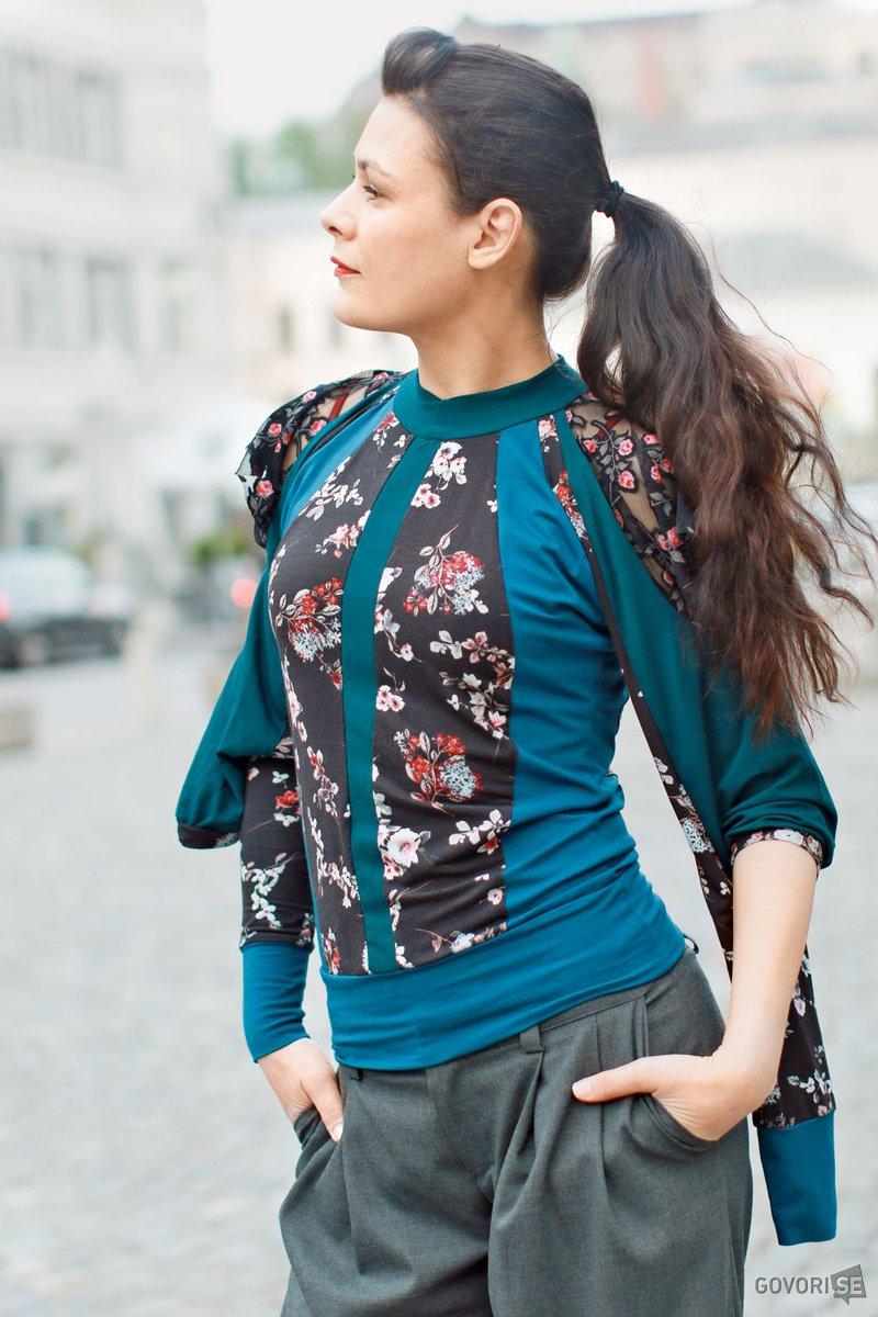 PIA ZAMLJIČ za intervju izbere Firma by Sanja tranformer t-shirt