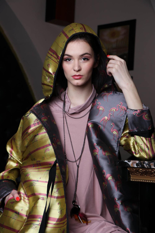 Princip / obleka roza / 129 eur  Renata Bedene / plašč flamingo / 165 eur  JSP ogrlice / 40 eur