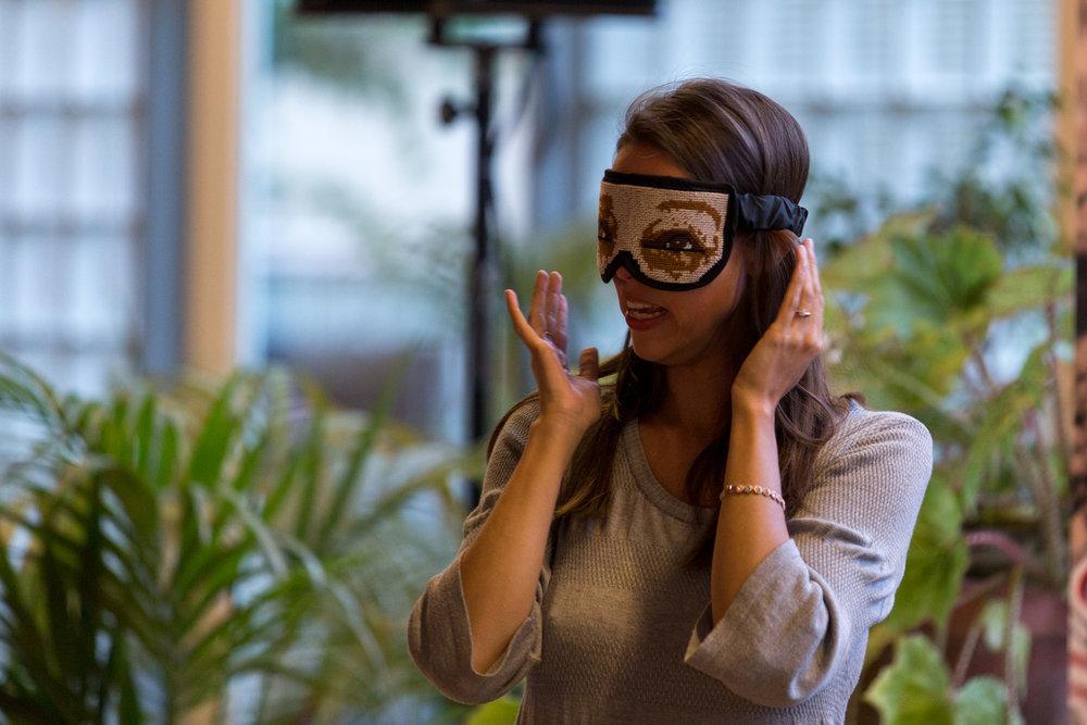 Dit prototype 'Awakening Goggles' van Disarming Design werd gemaakt in Beit Sahour