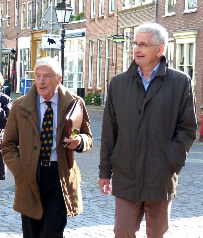 Oud-premier Dries van Agt en Henri Veldhuis