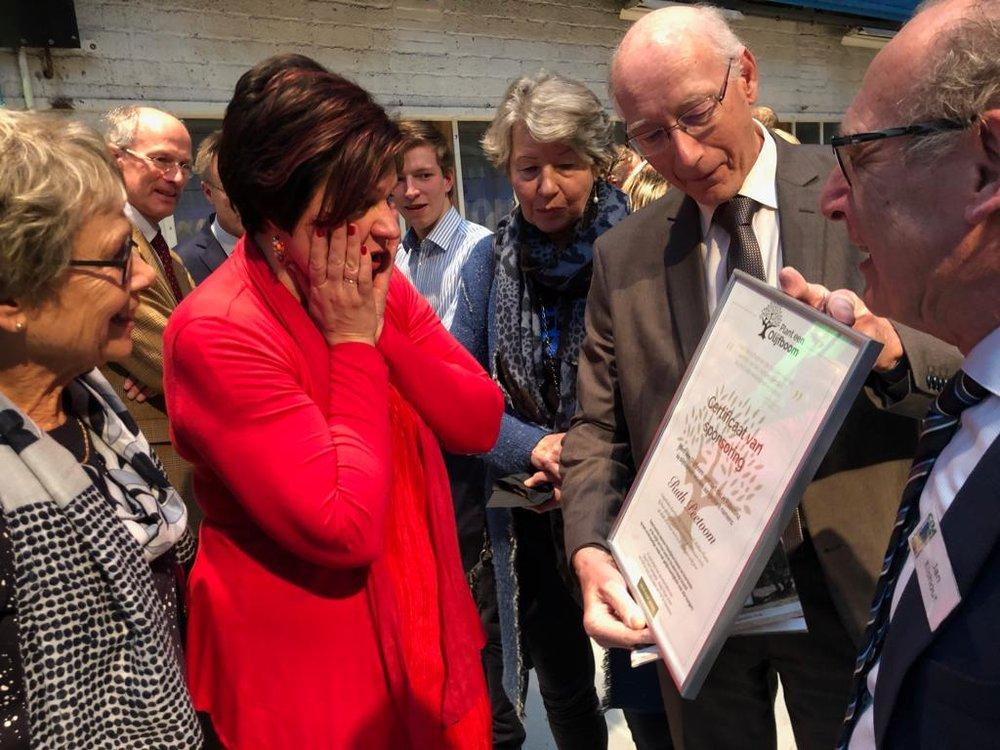 Ruth Peetoom krijgt 24 olijfbomen cadeau