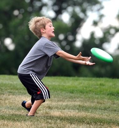 frisbee catch.jpg