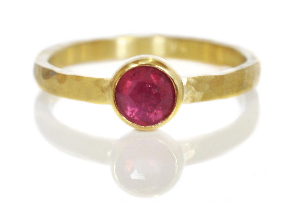 friendly-fuchisa-rosecut-sapphire-18ky-bezel-hammered-band-alternative-engagement-ring.jpg