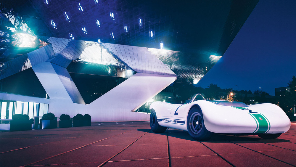 1066430_a_pioneer_of_lightweight_design_he_porsche_909_bergspyder_outside_the_porsche_museum_1.jpg