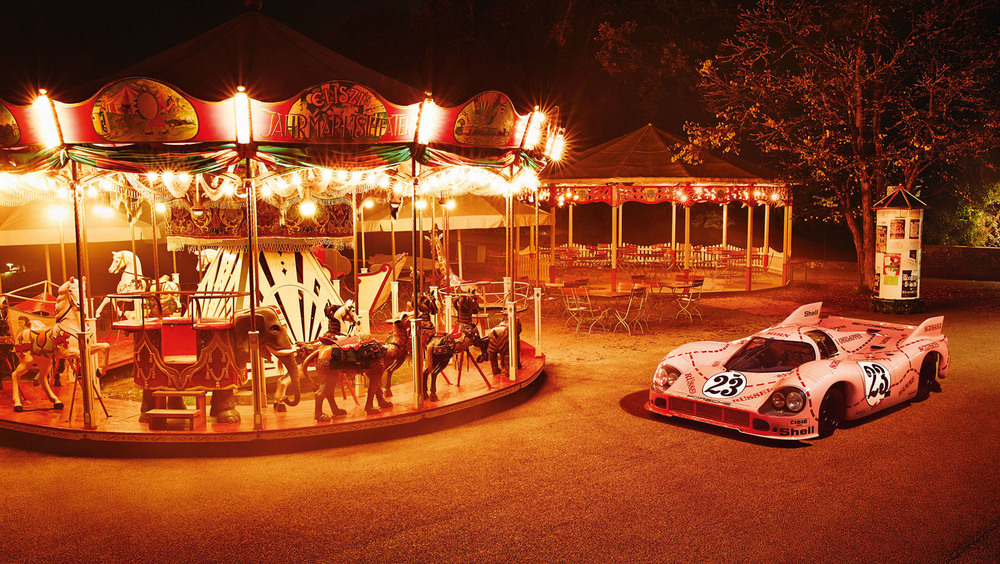 2246073_the_porsche_917_pink_pig_at_eliszis_fairground.jpg