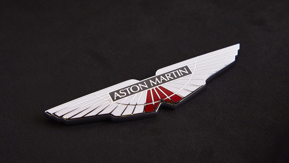 aston-martin-v8-vantage-gte-with-bespoke-wings-3.jpg