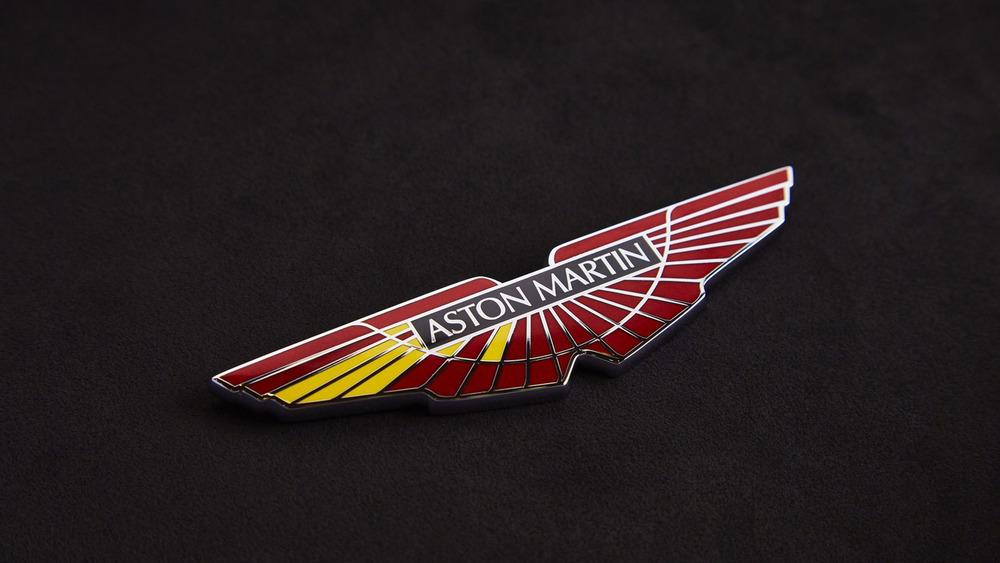 aston-martin-v8-vantage-gte-with-bespoke-wings-4.jpg