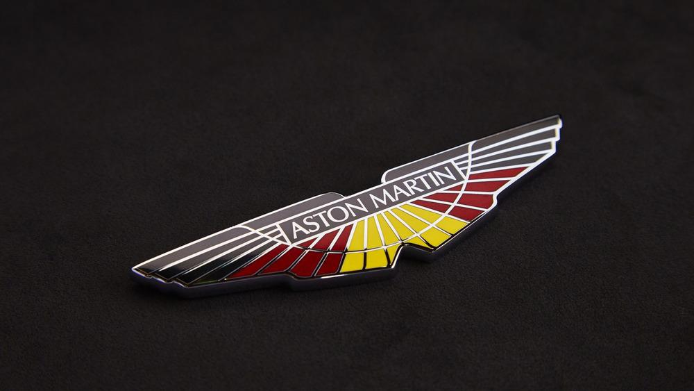 aston-martin-v8-vantage-gte-with-bespoke-wings-7.jpg