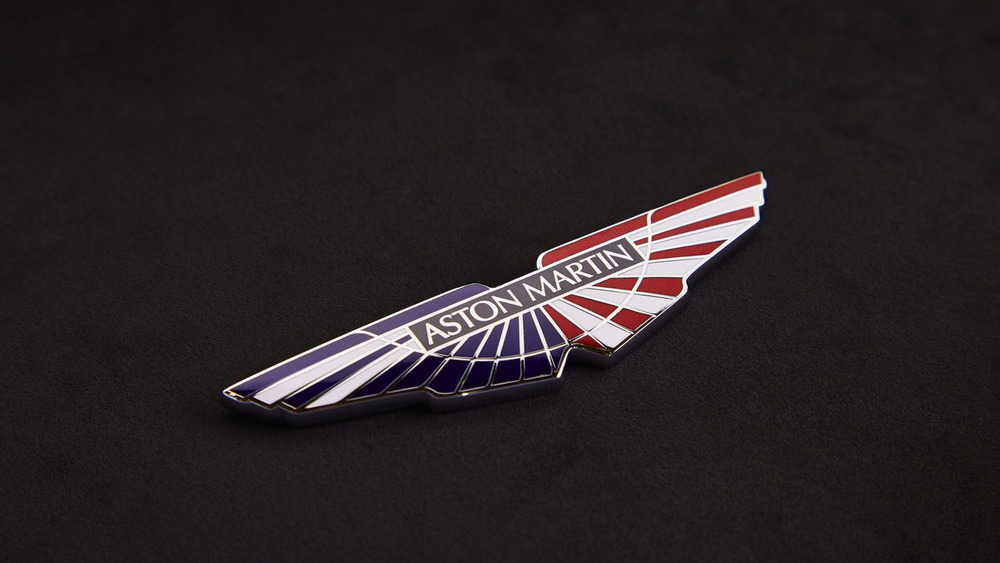 aston-martin-v8-vantage-gte-with-bespoke-wings-8.jpg