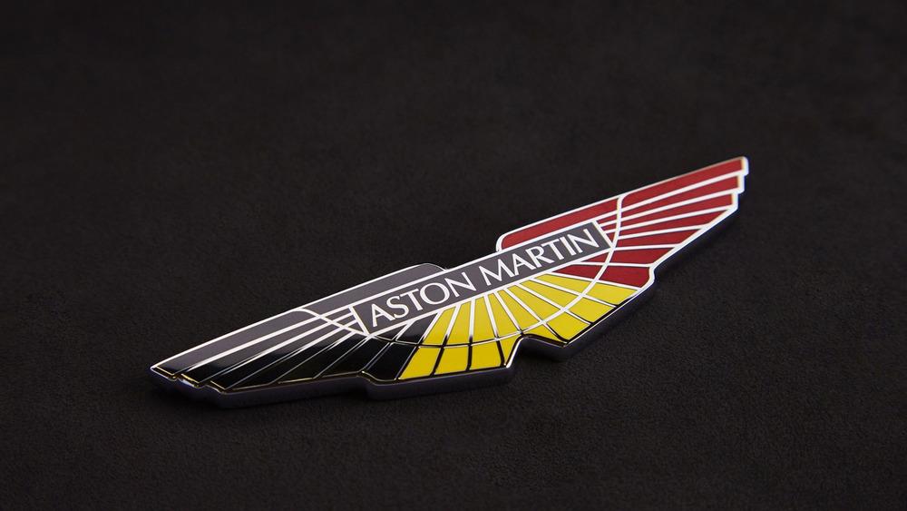 aston-martin-v8-vantage-gte-with-bespoke-wings-9.jpg