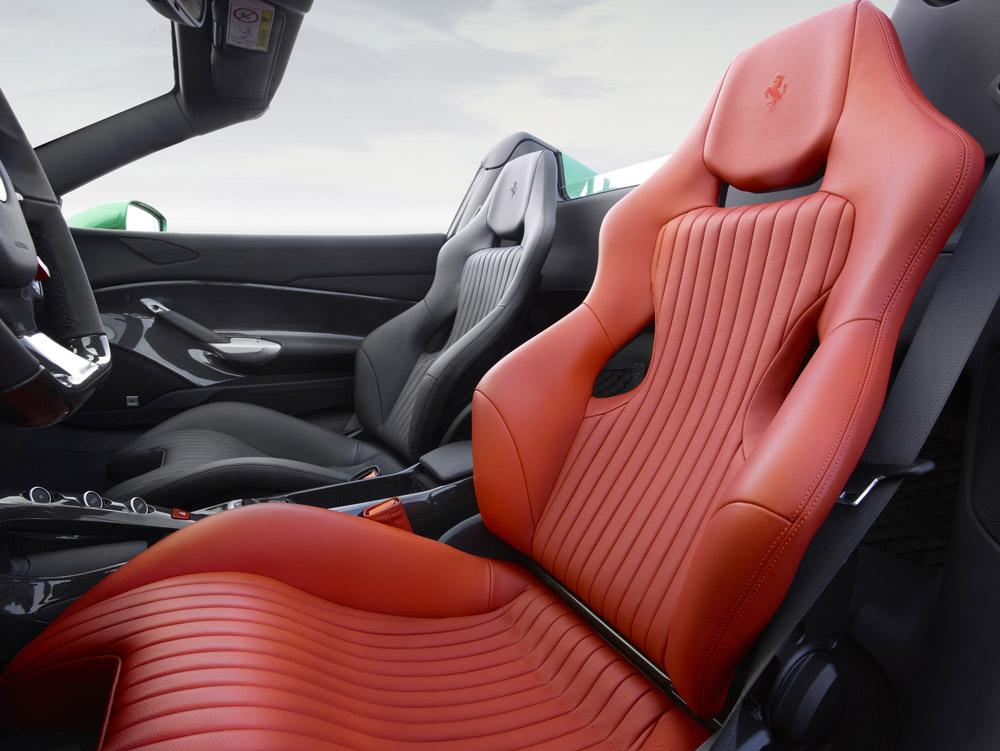 160583-car-salone-parigi.jpg