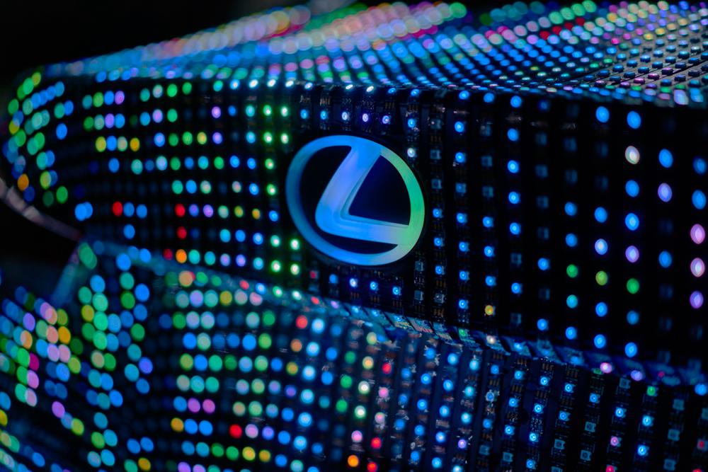 Lexus_LIT_IS_04_08A8B2C7B51F4487EEECCE3631A09B0997611E5B.jpg