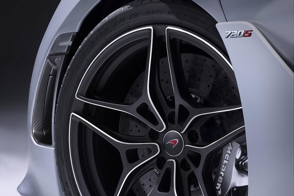 McLaren 720S-11-Studio.jpg