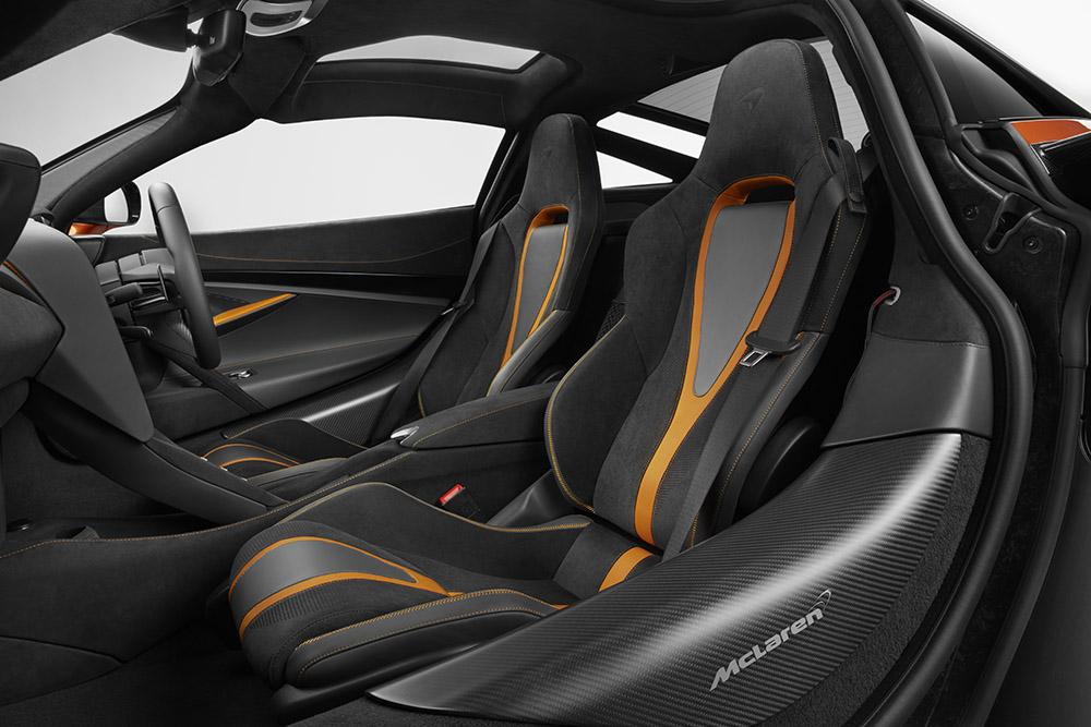 McLaren 720S-32-Interior.jpg