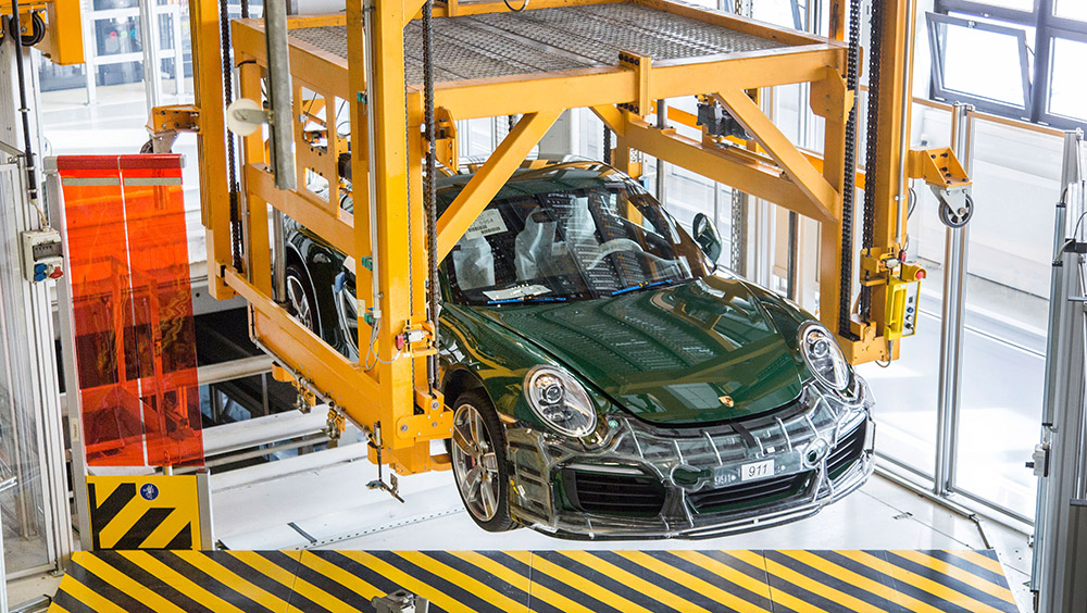 1640461_the_one_millionth_911_production_2017_porsche_ag_.jpg