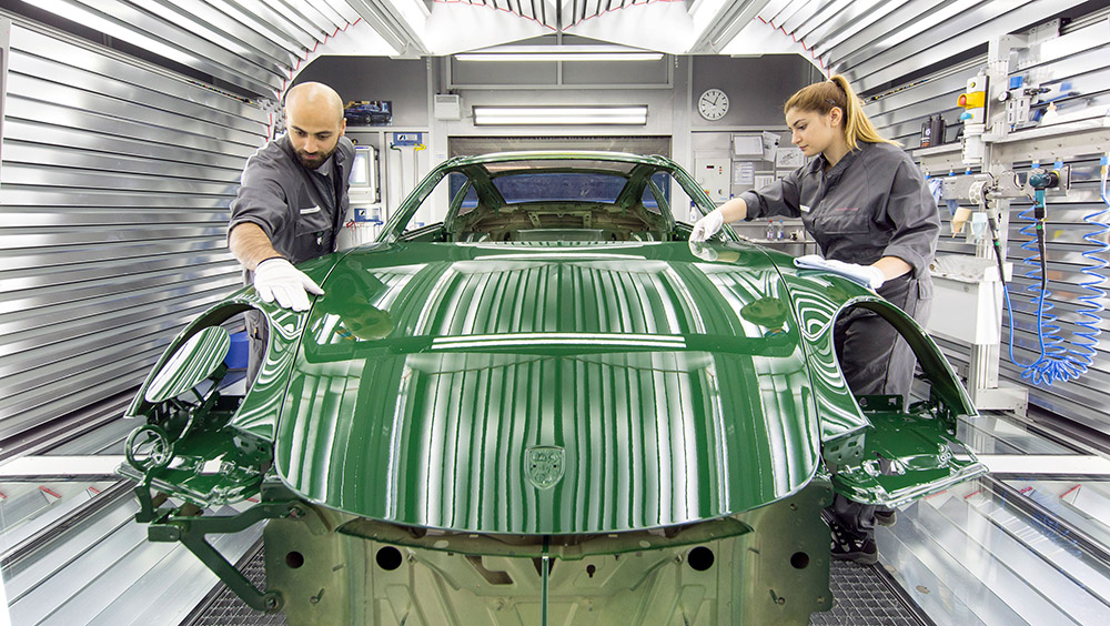 1415753_the_one_millionth_911_production_2017_porsche_ag_.jpg