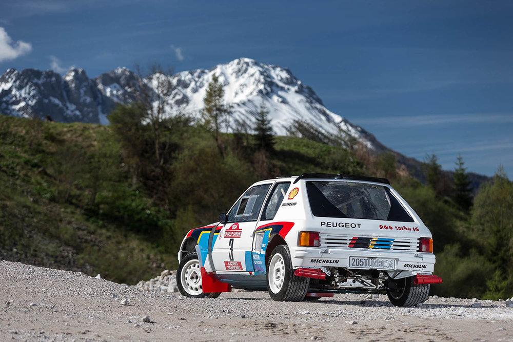 Peugeot 205 T16 4.jpg