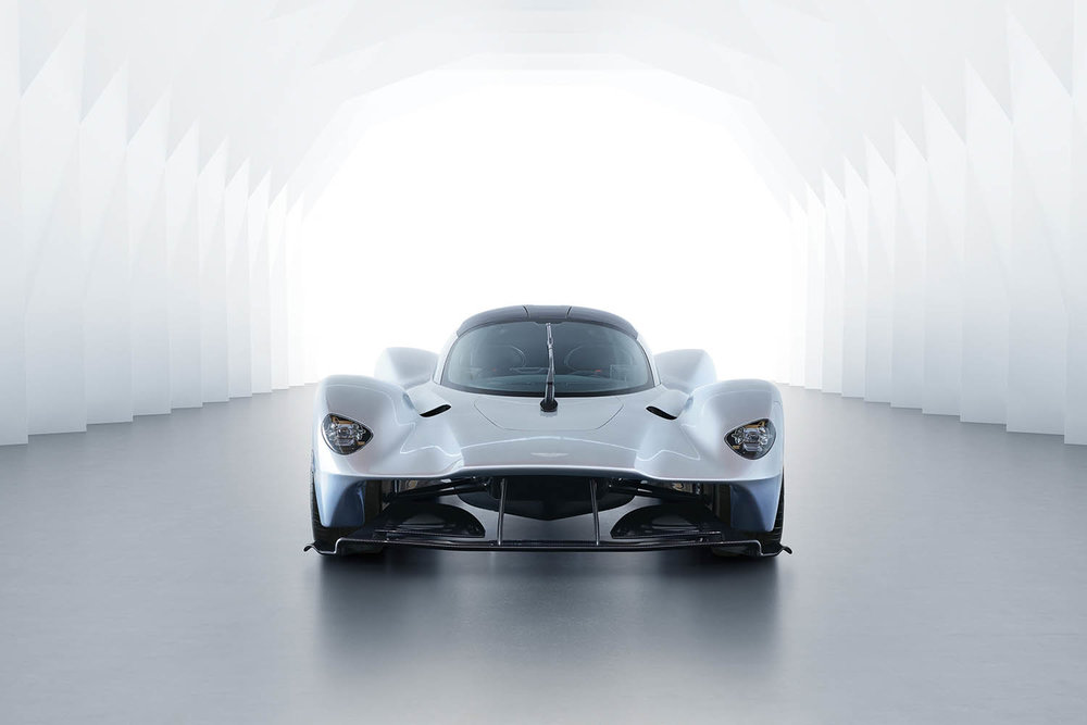 Aston_Martin_Valkyrie_01.jpg
