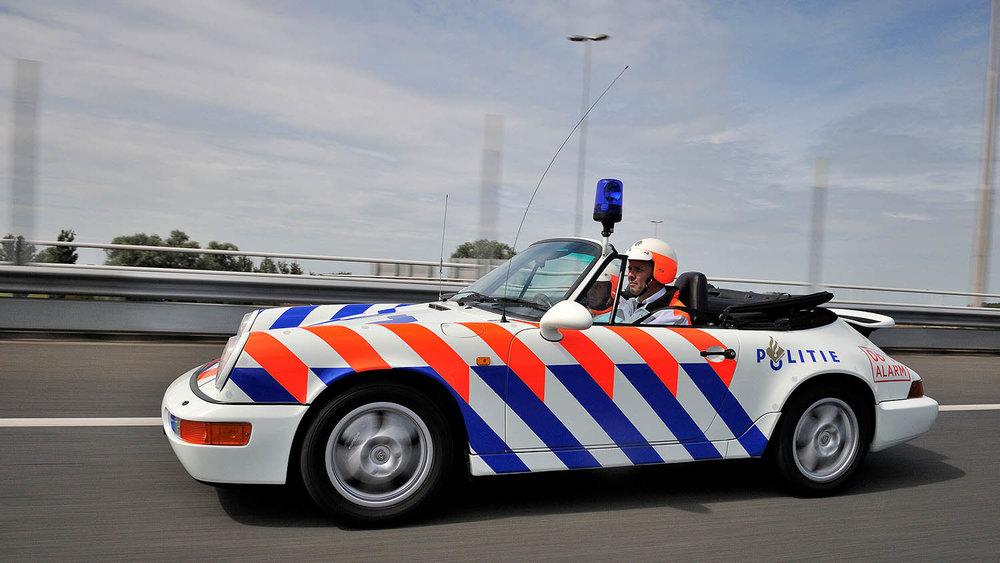 1209127_964_cabriolet_rijkspolitie_police_netherlands_2012_porsche_ag.jpg