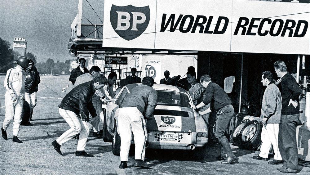1271045_pit_stop_autodromo_nazionale_di_monza_1967_porsche_ag.jpg